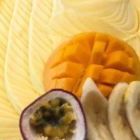 גלידת יוגורט ופירות אקזוטיים רק בוניליה